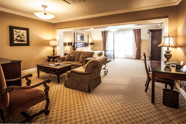 Royal Park's Junior Hotel Suite in Rochester Michigan