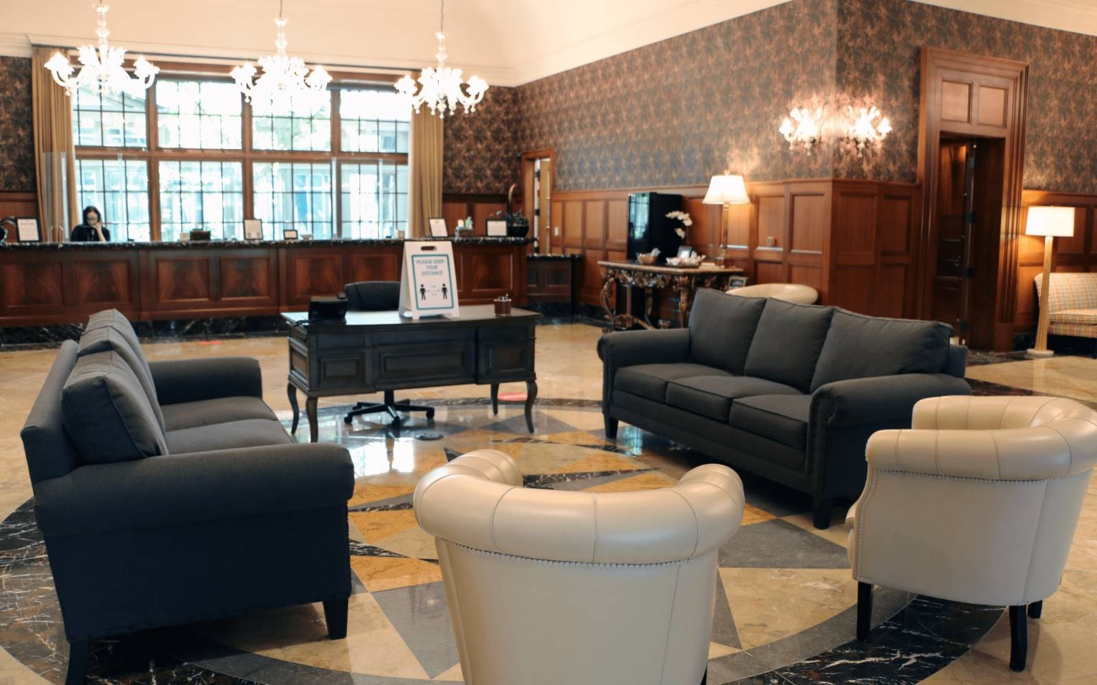 Lobby at Royal Park Hotel in Rochester MI