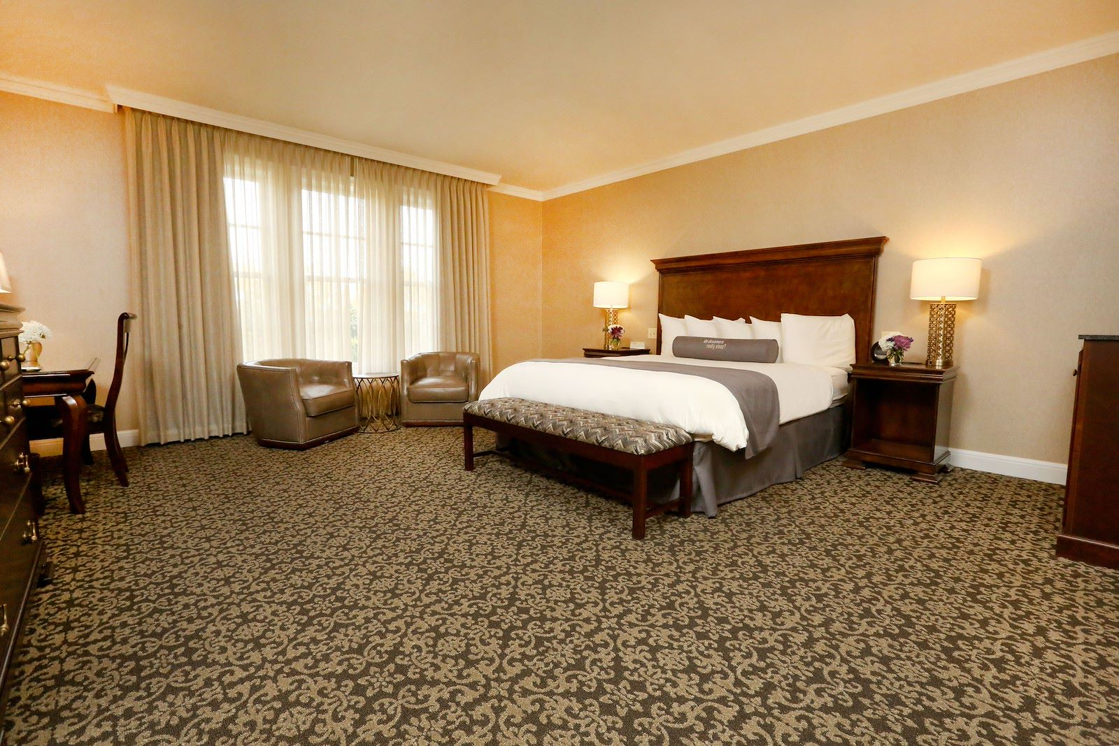 Luxury King Room at Royal Park Hotel