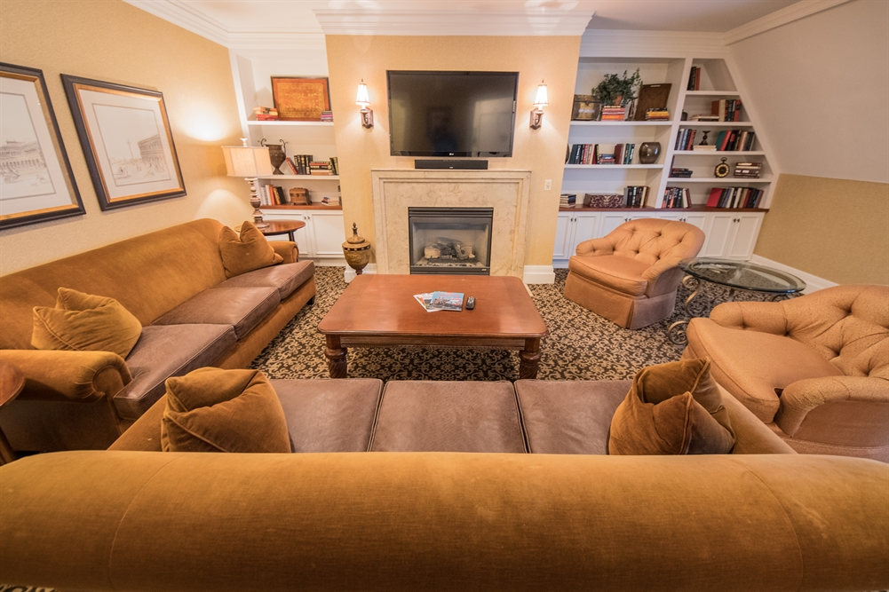 Buckingham Suite Living Area at Royal Park Hotel in Rochester MI