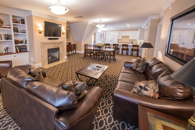 Royal Park's Kensington Hotel Suite in Rochester Michigan
