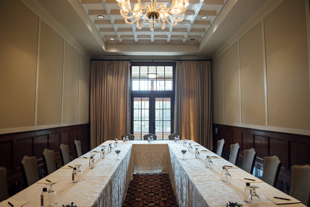 The Stratford Meeting Room at Royal Park Hotel in Rochester MI