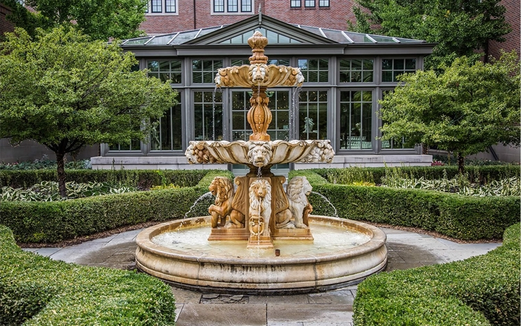 Fountain outside Royal Park Hotel in Rochester Michigan