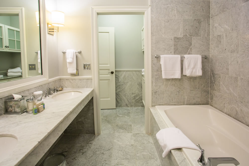 Hotel Suite Bathroom in Rochester Michigan