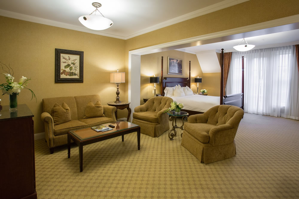Royal Park Hotel's Junior Suite in Rochester Michigan