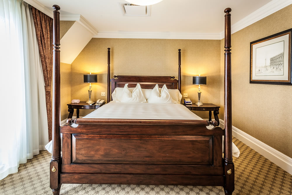 Royal Park Hotel's Royal Grand Bedroom in Rochester Michigan
